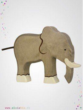 Éléphant en bois trompe en bas