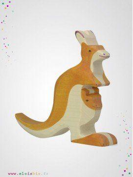 Kangourou avec son petit en bois