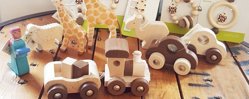 Les jouets en bois font leur entrée chez ELO is BIO